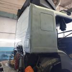 Процесс ремонта кабины тягача Mercedes-Benz